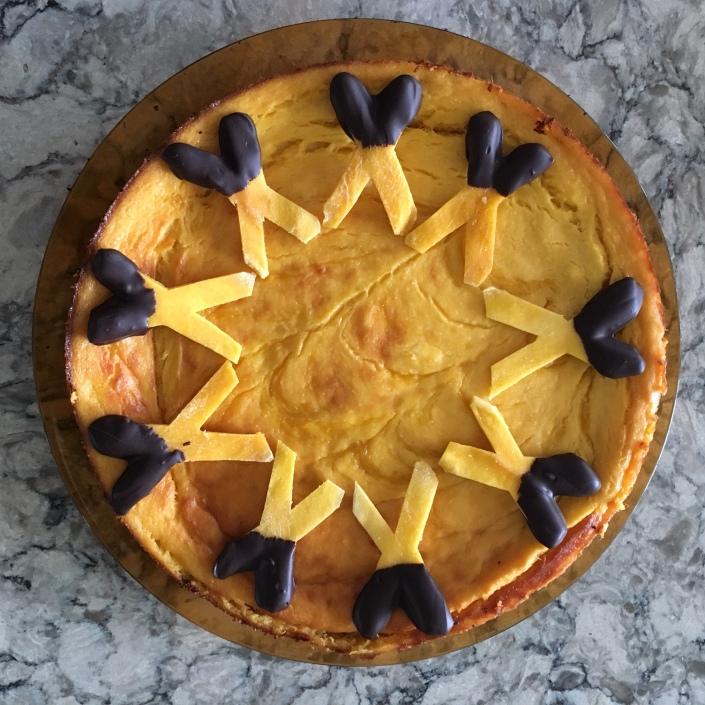 X (mango) cake